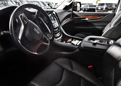 ALV SUV Escalade ESV - Interior 1